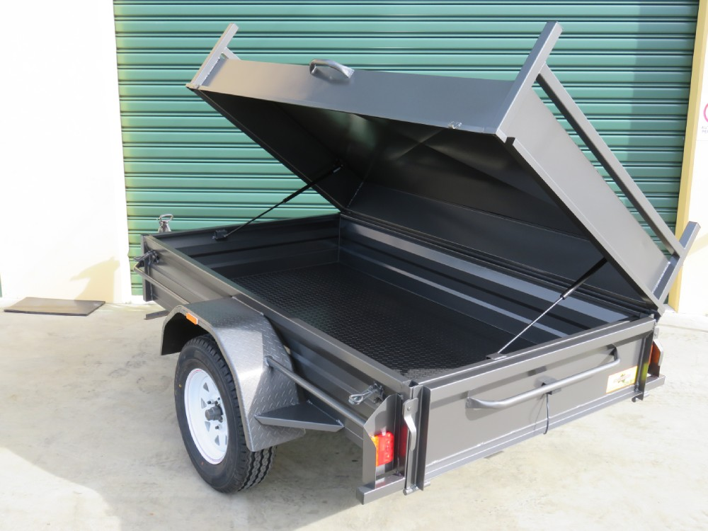 Box Trailer With Lockable Side Hing Lid