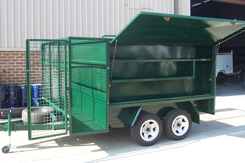 Lawn Mowing Trailer With Side Shelf