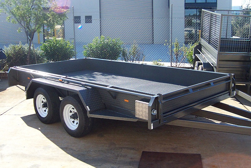 Tandem trailer With Breakaway Switch